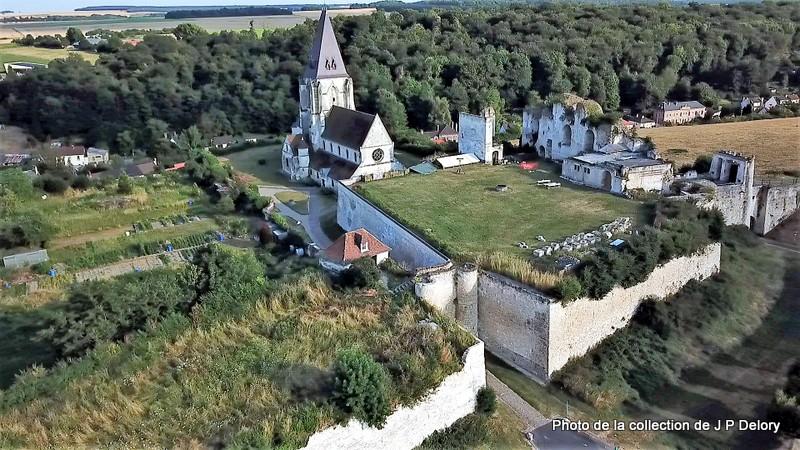 Chateau eglise