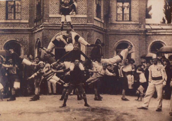 gymnastique-1900.jpg