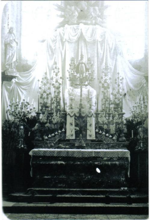 le-maitre-autel-somptuieux.jpg